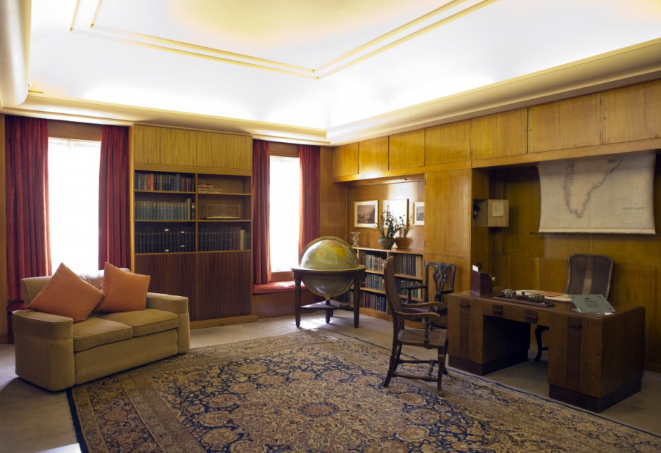 eltham_palace_south_london_study_cautauld_family_home_art_deco_furniture_large_globe-498962